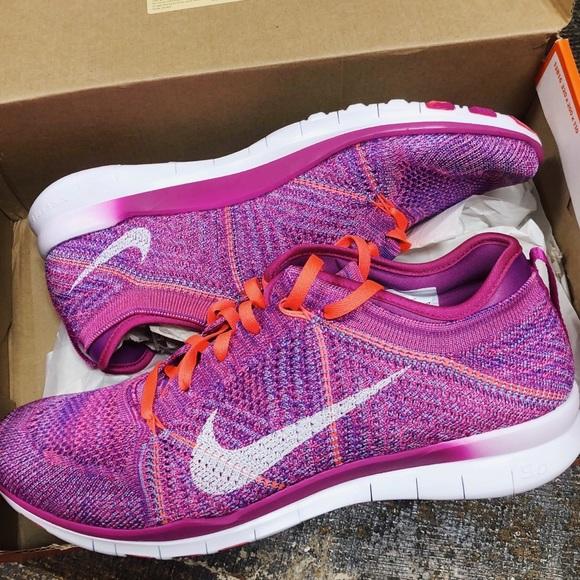 937cd13fd8a9 NWT✨ Women s Nike Free Flyknit Shoes